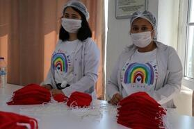 Öğrencilerinin ürettiği maskeler Hollanda'ya ihraç ediliyor