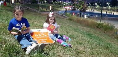 Bursa'dan Muş'a kıyafet ve kitap desteği