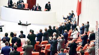 Ayasofya  kararına Meclis'te alkış
