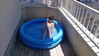 Balkonda havuz keyfi