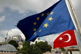 Bağış: Fransa Türkiye'yi kabullenemiyor