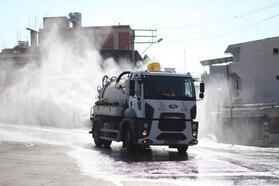 Bayraklı'da 24 mahalle köşe bucak temizlendi