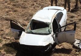 Gürün'de otomobil şarampole devrildi, sürücü yaralandı