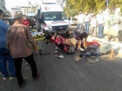İki motosiklet karşılıklı çarpıştı: 3 yaralı