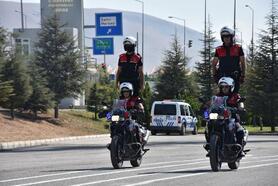 Eğitimini tamamlayan motorize polisler sertifikalarını aldı