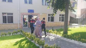 Hapis cezasıyla aranan FETÖ'cü akrabasının evinde çıktı