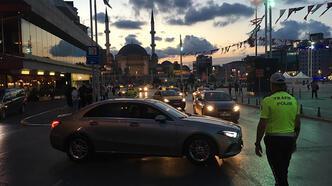 Beyoğlu ve Kadıköy'de polis denetimi