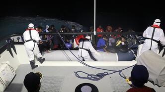 Türk kara sularına itilen 32 düzensiz göçmen kurtarıldı
