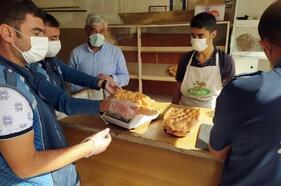 Adilcevaz'da zabıta ekiplerinden fırın denetimi