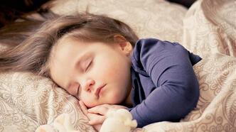 Bebeklerde öğle uykusu hakkında bilinmeyenler