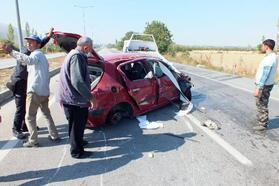Kazada ağır yaralanan kadın öldü