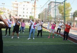 Akdeniz'de, 'Meme kanserine karşı farkındalık' etkinliği