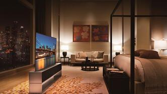 LG dünyanın ilk katlanabilir televizyonunu duyurdu