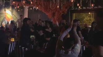 Beşiktaş'ta akılalmaz görüntü! Halaylı horonlu korona eğlencesi