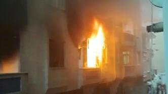 Uyuşturucu bağımlısı genç krize girip evi ateşe verdi!