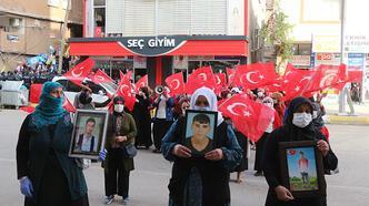 HDP'li milletvekili, kadınların teröre tepki eylemini engellemek istedi