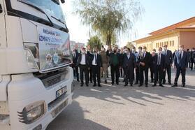 Aksaray'dan İzmir'e yardım TIR'ları gönderildi