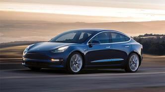 Tesla en büyük rakibini geçti