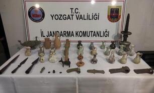 Yozgat'ta, otomobilde 39 parça tarihi eser ele geçirildi