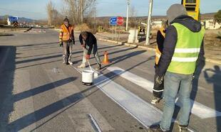 Hisarcık'ta yaya geçidi çizgileri boyandı