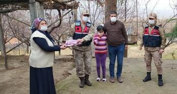 Jandarmadan, şehit aileleri ve gazilere ziyaret