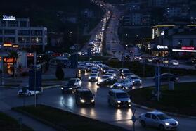 Sakarya'da kısıtlama öncesi trafik yoğunluğu yaşandı
