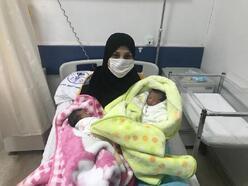 Yalova'da yeni yılın ilk bebekleri ikizler