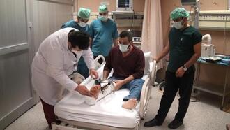Şanlıurfa'da silahla yaralanan kişiye damarlı kemik ve doku nakli yapıldı