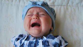 Bebekler neden ağlar? Bebek ağlıyorsa ne yapılmalıdır?