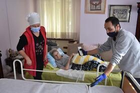 Tuzla'da bakıma muhtaç hastalara hasta yatağı hizmeti
