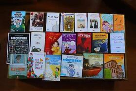 Muhtardan çocuklara kitap bağışı