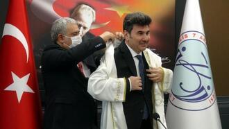 7 Aralık Üniversitesi rektörlüğüne Prof. Dr. Karacoşkun yeniden atandı