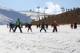 Ordu'da çocuklara ücretsiz kayak eğitimi