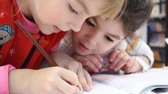 Okula başlamadan önce çocuğunuzu okula alıştırın