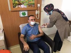 Kilis'te protokol üyeleri koronavirüs aşısı oldu