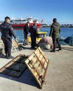 Tekirdağ'da denize gizlenmiş 2 trol kapısı bulundu