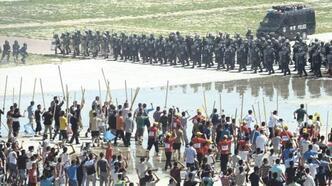 """Hollanda, Çin'in Uygur Türklerine yaptığı uygulamaları """"soykırım"""" olarak tanımladı"""