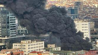 Son dakika... İstanbul'da korkutan yangın!