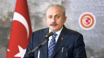 'Baştan sona yenilenmiş bir anayasa gerekli'