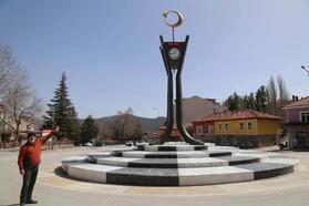 Çameli'ye ay-yıldızlı saat kulesi yapıldı