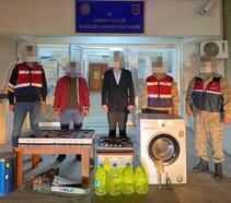 Jandarma, yayla evinden çalınan eşyaları bularak sahibine teslim etti