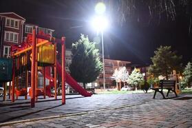 Aksaray'da parklar ışıklandırıldı