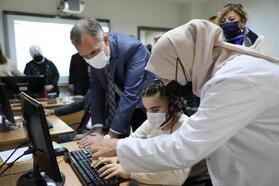İnegöl'de görme engelli vatandaşlara bilgisayar kursu açıldı