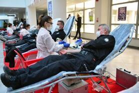Adana polisinden kan bağışı