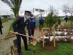 Trabzon'da toplum destekli polislerden şehit fidanlığı
