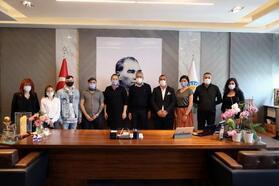 Mezitli'de yaşayan Rus konuklar, belediyeyi ziyaret etti