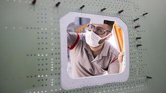 Yeni nesil uçak için panel dünya devine teslim edildi!