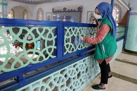 Bursa'da Ramazan ayında camileri gönüllüler temizliyor