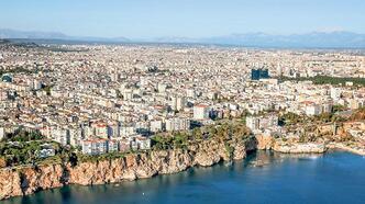 Yabancılar Antalya'da  konuta hücum etti