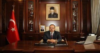 Bursa Valisi Canbolat'tan 23 Nisan mesajı